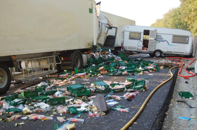 LE PEAGE DE ROUSSILLON (ISERE NORD): Collision mortelle sur l'autoroute A7