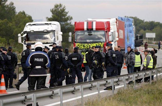 Les routiers annulent leurs opérations en Ile-de-France