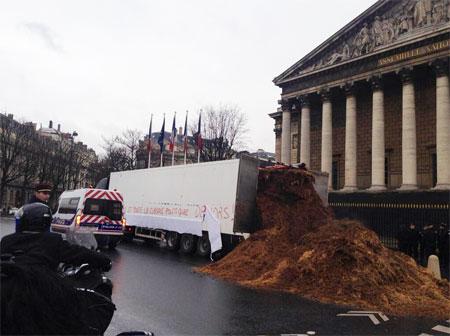 """Routier mécontent : """"Hollande et toute la classe politique dehors, place à la VIe République."""