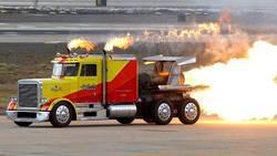 <img427|left>Découvrez Shockwave, le camion le plus rapide du monde
