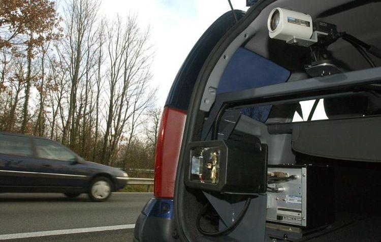 Radars mobiles: 300.000 automobilistes flashés en un an