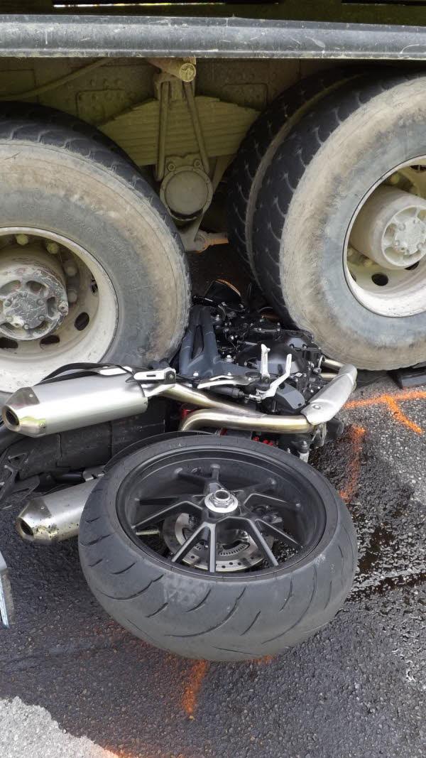 HAUTE-SAVOIE/  Abondance : collision moto contre camion