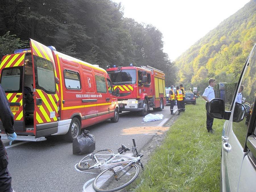SAINT-MARTIN-D'URIAGE (38)  /  Une cycliste décède lors d'une collision avec un camion