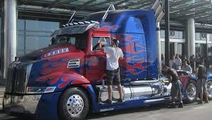 FILM : Transformers 4   /    freightliner        <img680 center>
