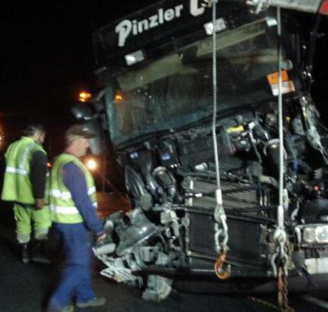 Indre / Un tracteur routier tombe de son plateau sur l'A 20