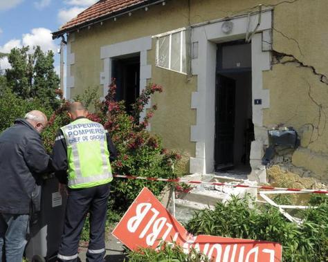 Vienne – Poitiers – Le camion de boissons défonce la façade de FLBLB