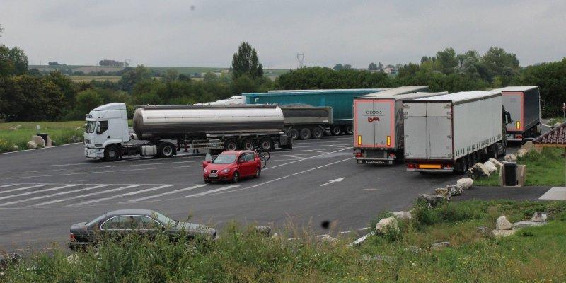 Orages : un chauffeur routier meurt foudroyé en Charente