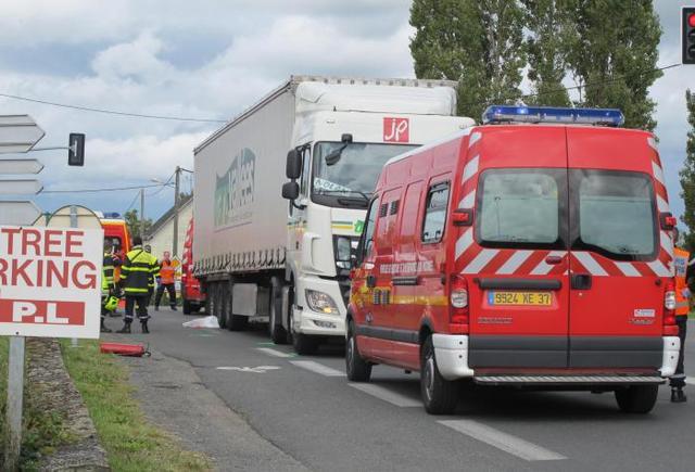Indre-et-Loire – Chouzé-sur-Loire – Happé par un camion le cycliste décède
