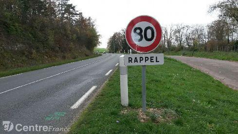 RN 151 : une trentaine de panneaux 80 km/h volés et dégradés dans l'Yonne