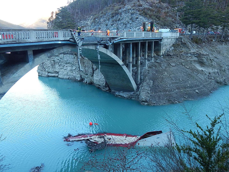 Chute d'un camion dans un lac à Annot (04) : le conducteur décédé