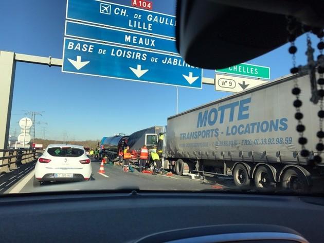 Carambolage entre trois camions sur la Francilienne, le trafic fortement perturbé