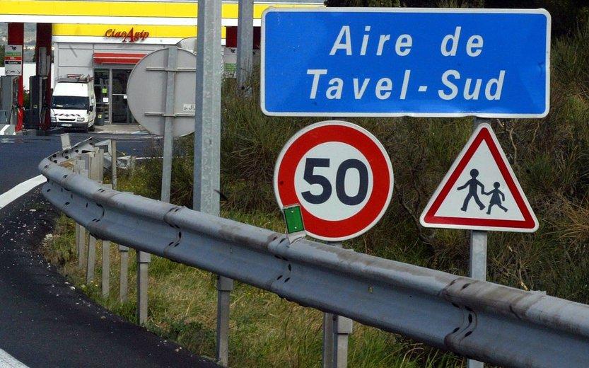 Aire de Tavel (30) : un routier retrouvé mort dans son camion