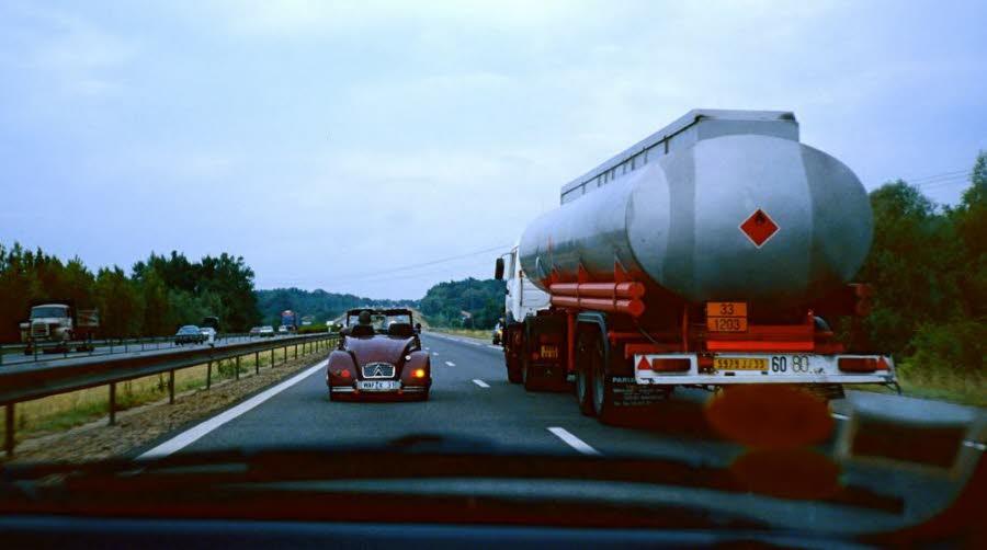 """""""Le salaire de la peur"""": grève illimitée des routiers du carburant"""