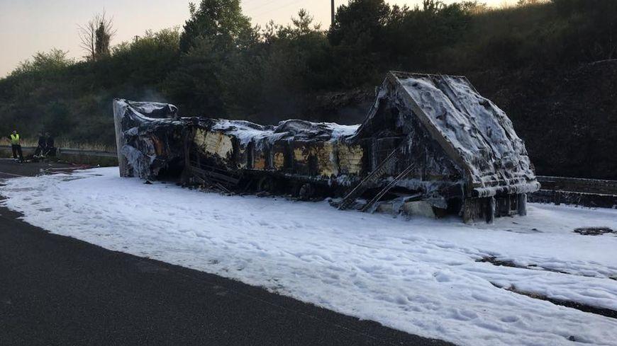 Un camion de fromage fond sur l'A10 : trafic perturbé pendant 6h mercredi soir à Pussigny, en Indre-et-Loire
