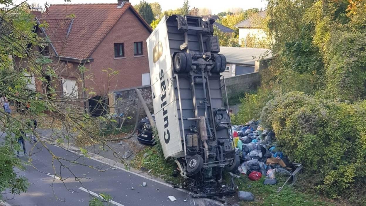 Sterrebeek (be): un accident de camion impressionnant sur l'E40 vers Bruxelles