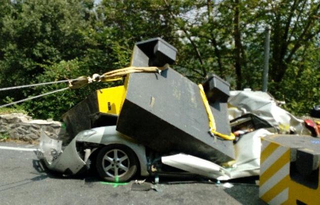 Hérault: Une religieuse écrasée dans sa voiture par un bloc de béton tombé d'un camion