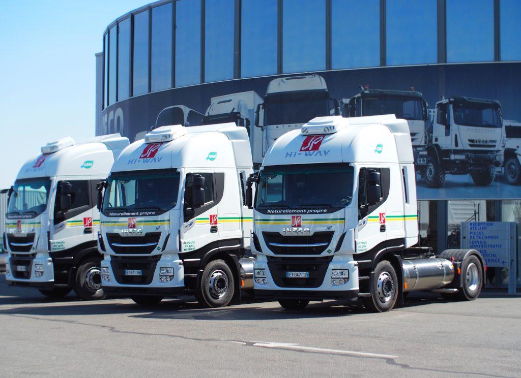 Camion au GAZ  /  Les Transports Jacky Perrenot reçoivent leurs premiers IVECO Stralis NP 460