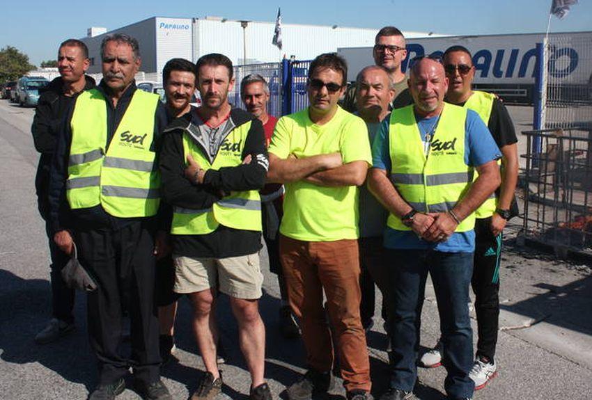 Vitrolles (13) : des chauffeurs routiers de l'entreprise Papalino en grève