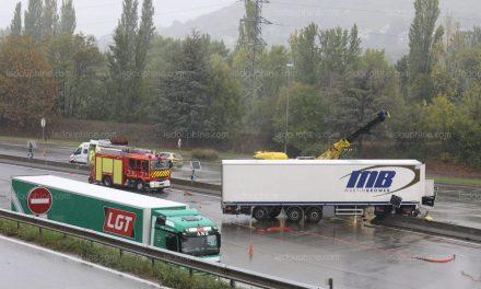SAVOIE/ Un camion percute un plot au péage de Chignin : la circulation perturbée