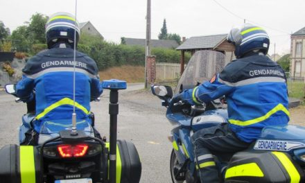 Près de Lyon : deux motards de la gendarmerie étranglés et griffés par des ambulancières