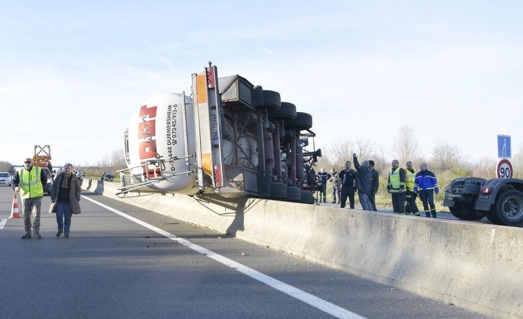 Un camion-citerne en portefeuille sur la RN 7 à Lapalisse (Allier) : le chauffeur était sous l'emprise de l'alcool