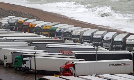 Bloqués pour Noël au Royaume-Uni : le scénario noir redouté par les chauffeurs-routiers