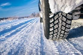 Au 1er novembre / 135 euros d'amende si vous n'avez pas les pneus neige.